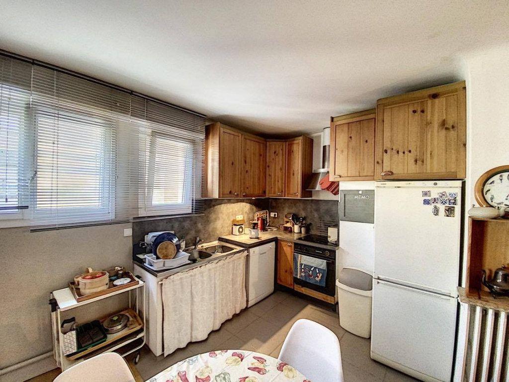 Appartement à vendre 7 120.89m2 à Nantes vignette-3