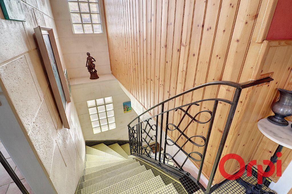 Maison à vendre 6 126.5m2 à Nantes vignette-1