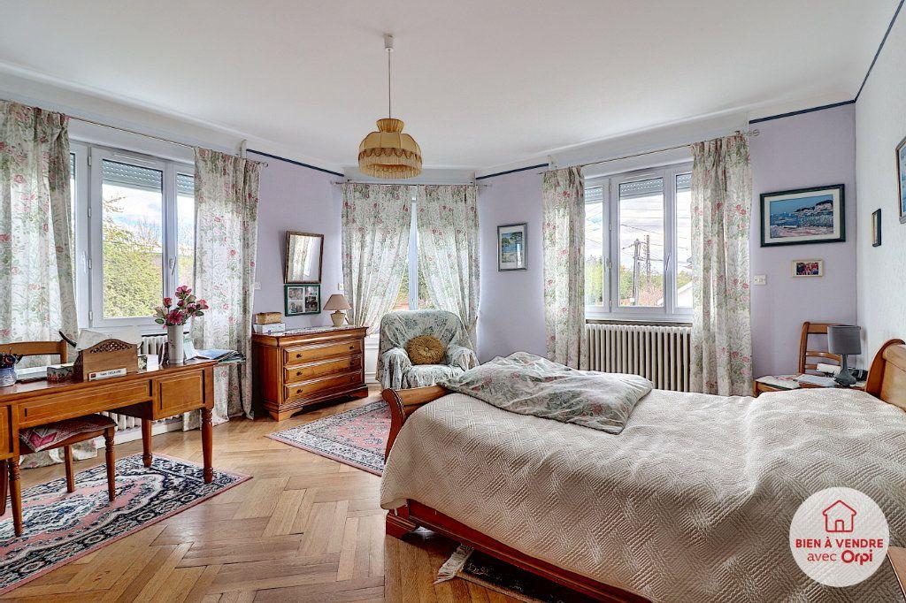 Maison à vendre 8 148.72m2 à Nantes vignette-1