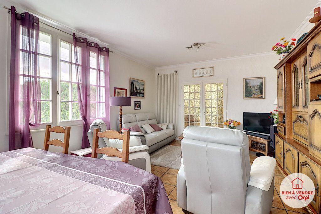 Maison à vendre 8 148.72m2 à Nantes vignette-2