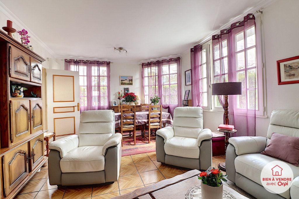 Maison à vendre 7 148.72m2 à Nantes vignette-2