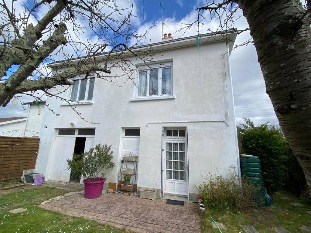 Maison à vendre 8 148.72m2 à Nantes vignette-4