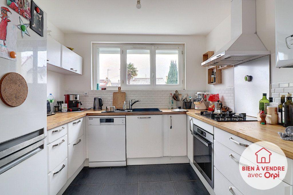 Maison à vendre 5 105m2 à Nantes vignette-2
