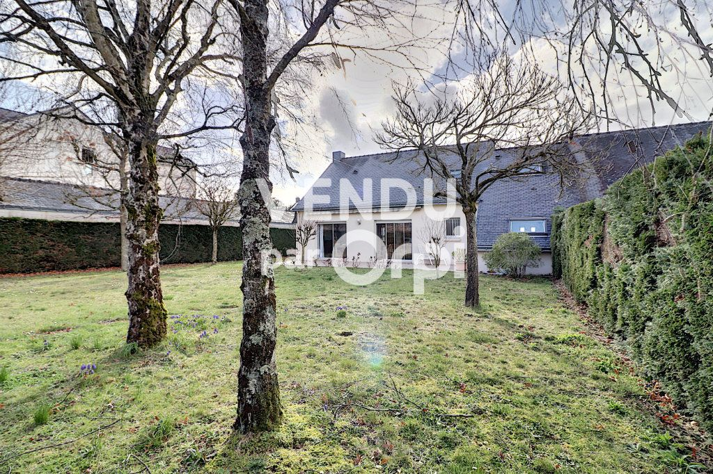 Maison à vendre 6 160m2 à Sainte-Luce-sur-Loire vignette-1