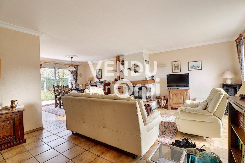 Maison à vendre 6 160m2 à Sainte-Luce-sur-Loire vignette-3