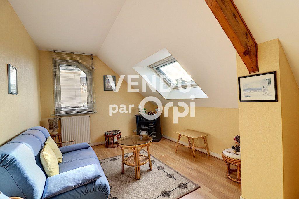 Maison à vendre 6 160m2 à Sainte-Luce-sur-Loire vignette-5