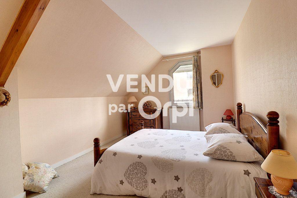 Maison à vendre 6 160m2 à Sainte-Luce-sur-Loire vignette-6