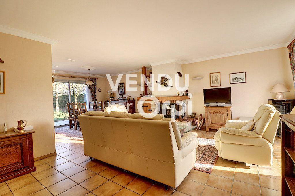 Maison à vendre 6 160m2 à Sainte-Luce-sur-Loire vignette-8