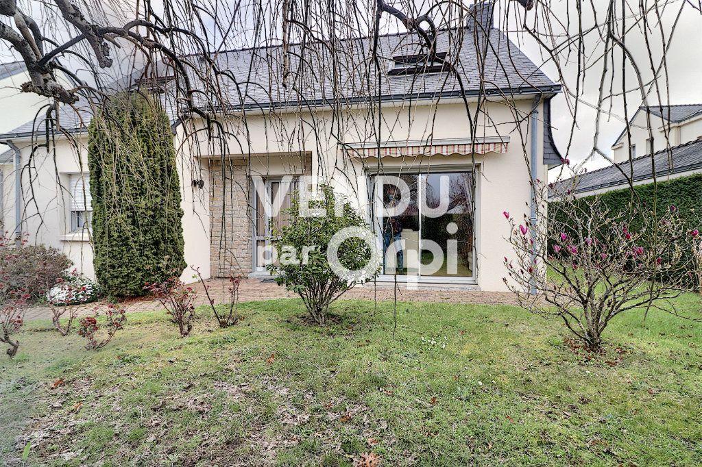Maison à vendre 6 160m2 à Sainte-Luce-sur-Loire vignette-10