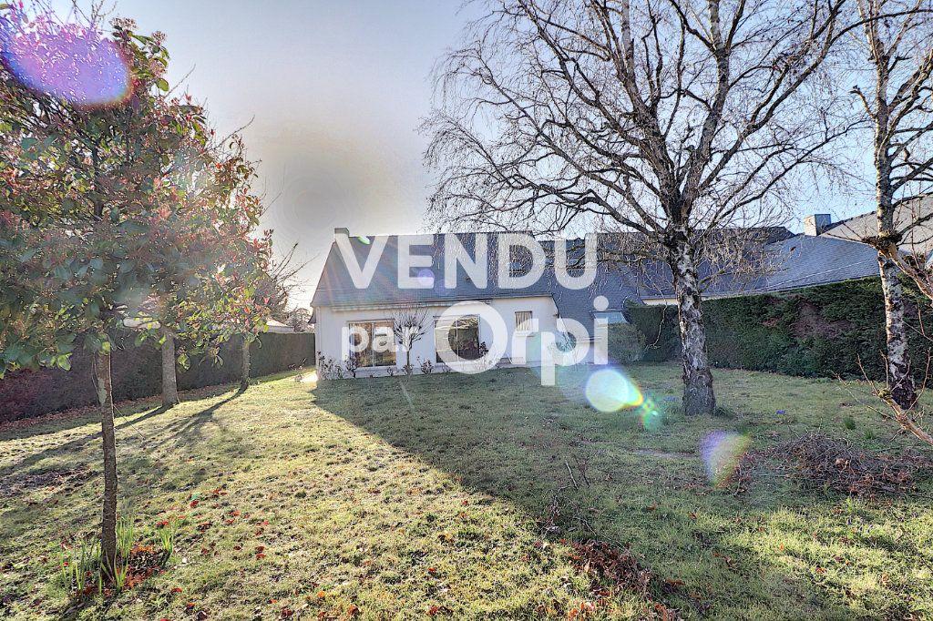 Maison à vendre 6 160m2 à Sainte-Luce-sur-Loire vignette-11