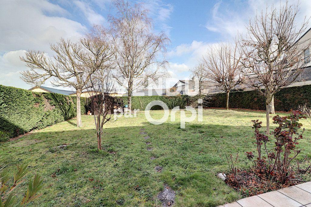 Maison à vendre 6 160m2 à Sainte-Luce-sur-Loire vignette-13