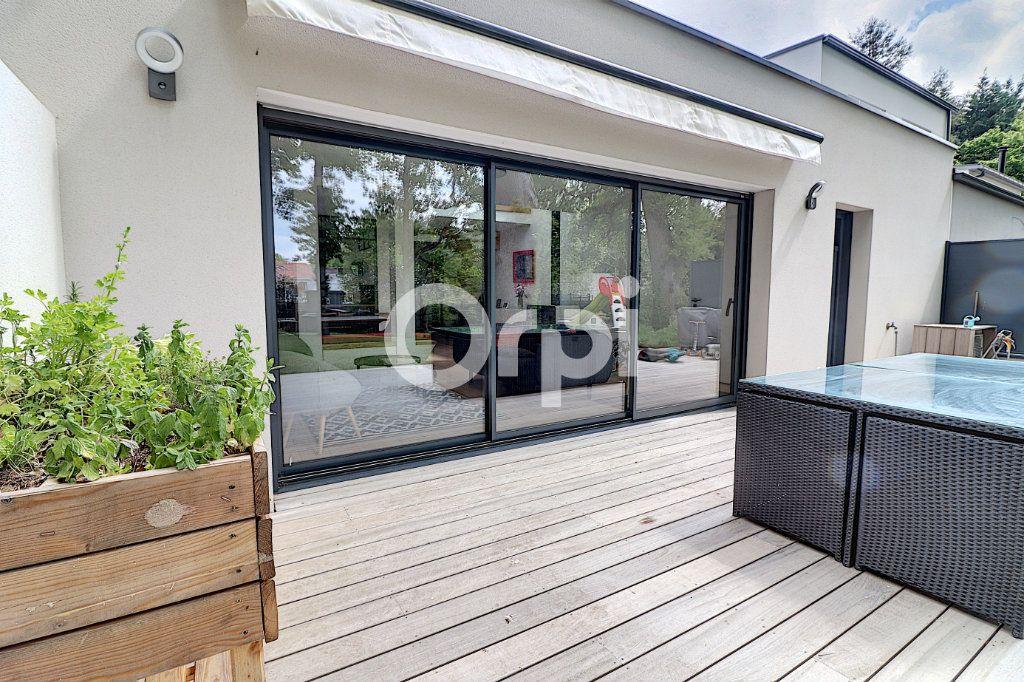 Maison à vendre 5 145.13m2 à Nantes vignette-8