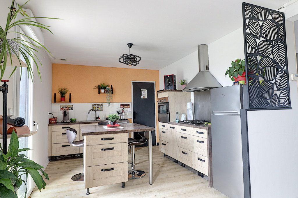 Maison à vendre 5 128m2 à Sainte-Luce-sur-Loire vignette-4