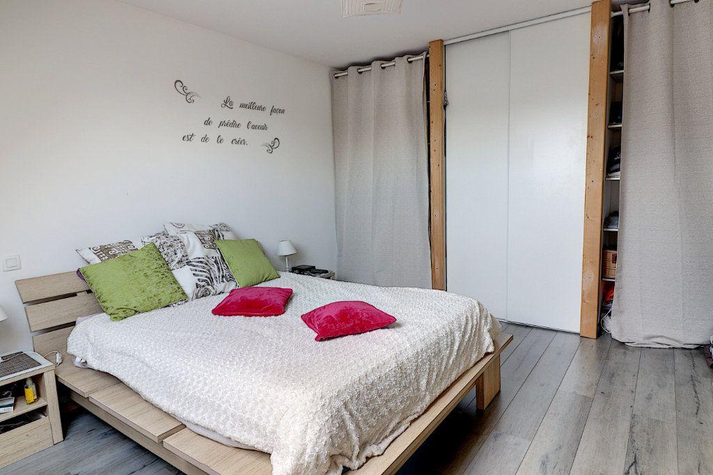 Maison à vendre 5 128m2 à Sainte-Luce-sur-Loire vignette-5