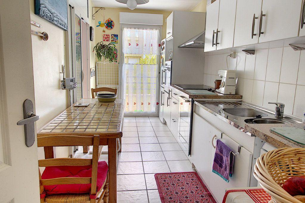 Appartement à vendre 3 70.45m2 à Nantes vignette-3