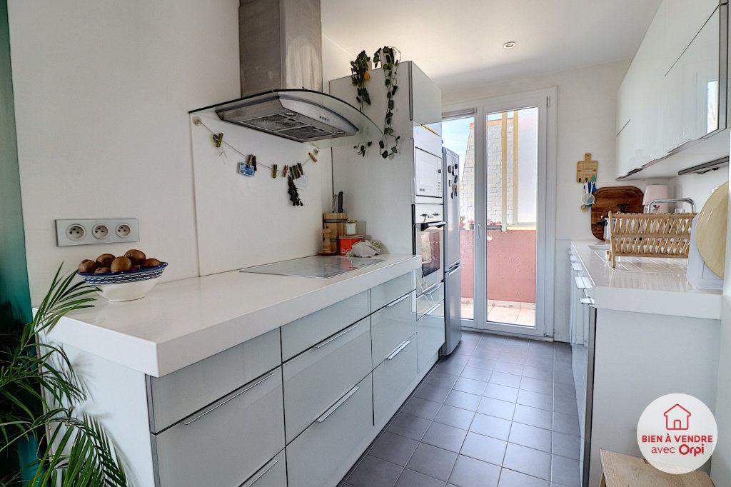Appartement à vendre 4 65.35m2 à Nantes vignette-3