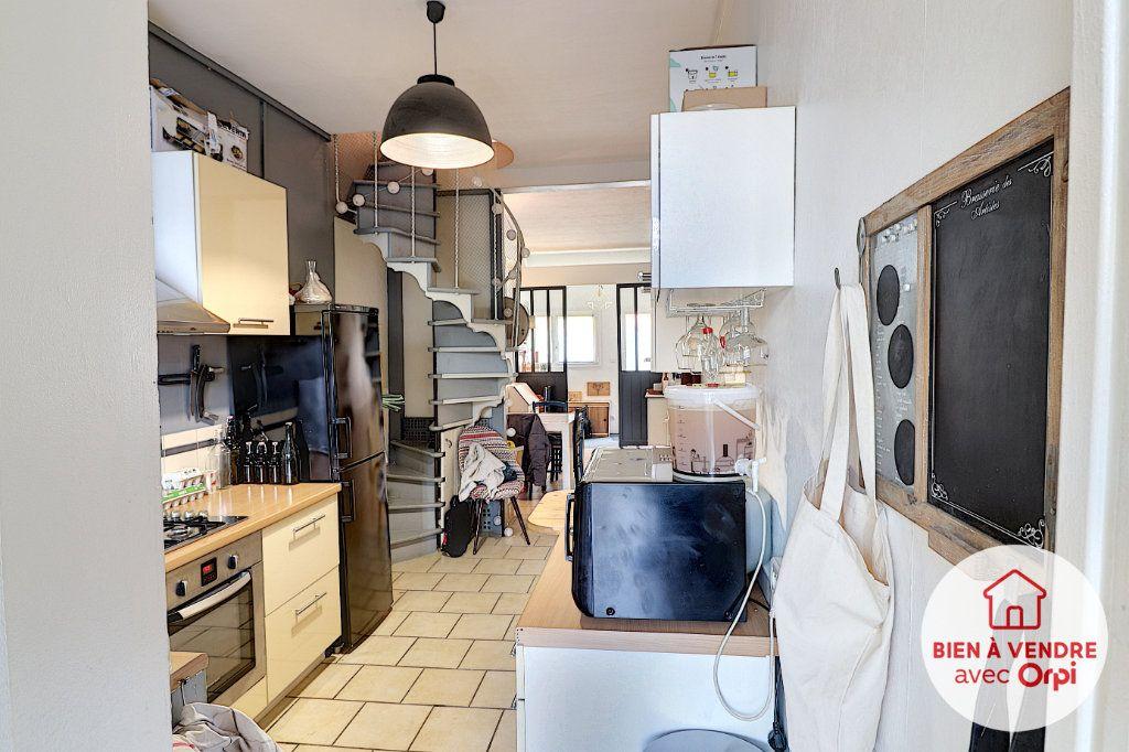 Maison à vendre 3 68m2 à Nantes vignette-3