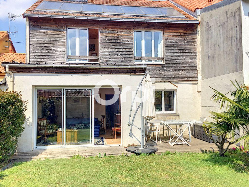 Maison à vendre 5 136m2 à Nantes vignette-1