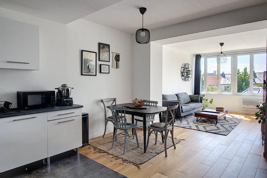 Appartement à vendre 3 67.87m2 à Nantes vignette-2