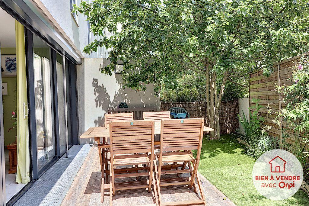 Appartement à vendre 3 70m2 à Nantes vignette-2