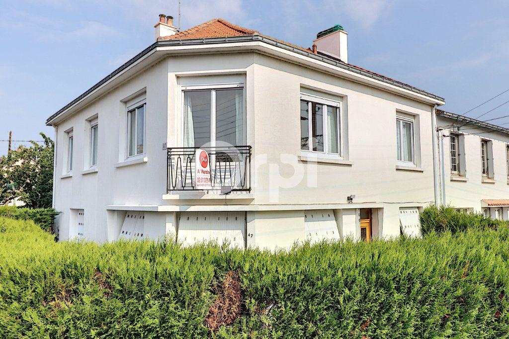 Maison à vendre 7 158m2 à Nantes vignette-1