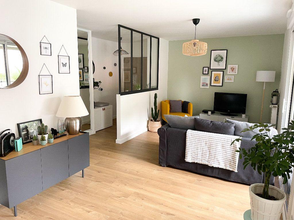 Appartement à vendre 3 71m2 à Nantes vignette-2