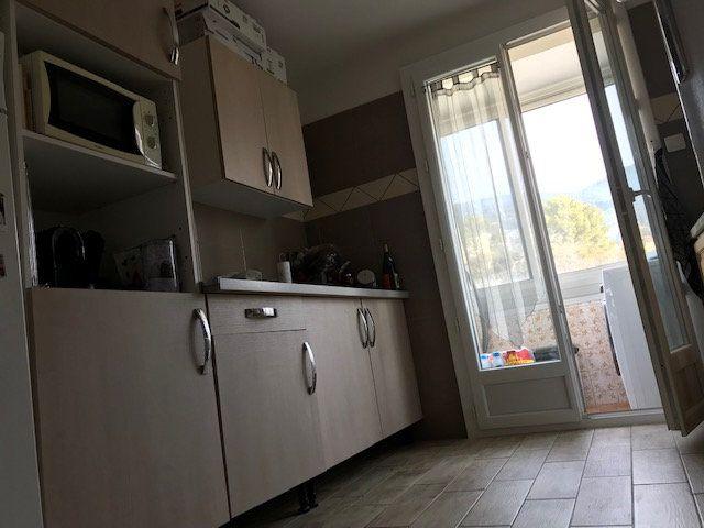 Appartement à vendre 4 64.69m2 à Draguignan vignette-5