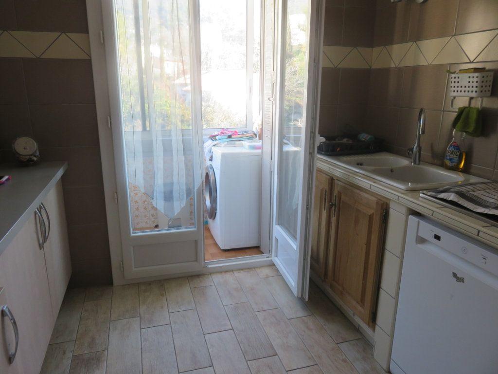 Appartement à vendre 4 64.69m2 à Draguignan vignette-6