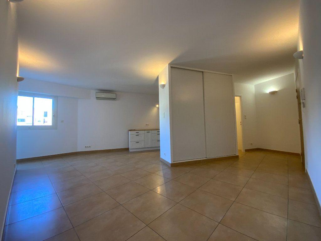 Appartement à vendre 3 71.6m2 à Draguignan vignette-1