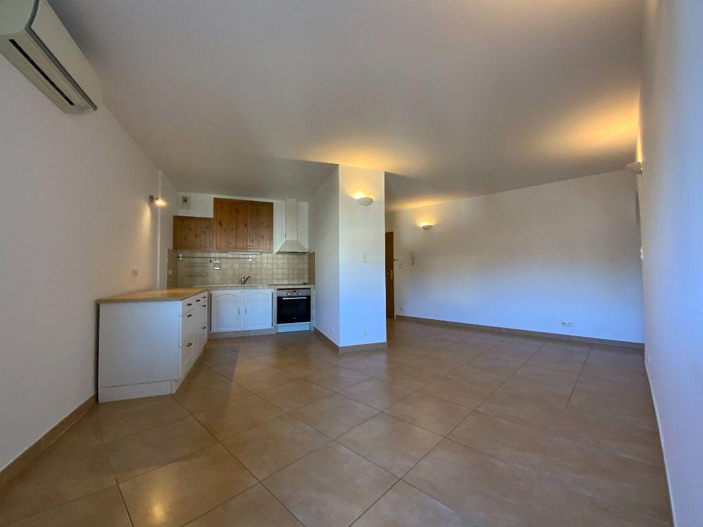 Appartement à vendre 3 71.6m2 à Draguignan vignette-2
