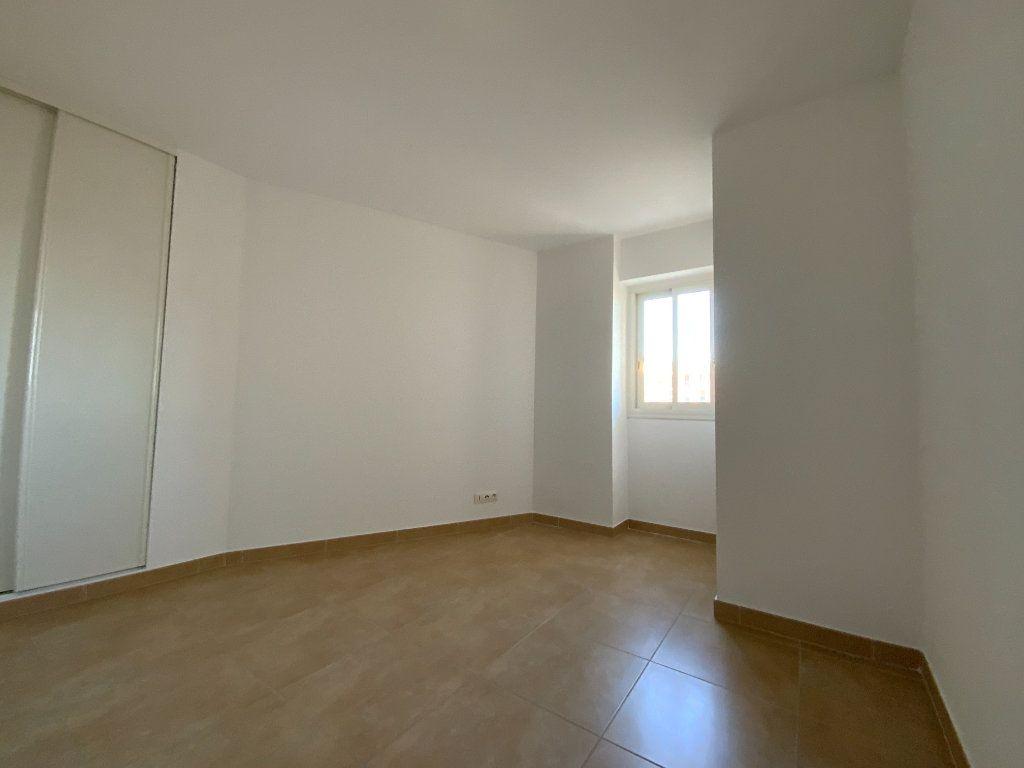 Appartement à vendre 3 71.6m2 à Draguignan vignette-7