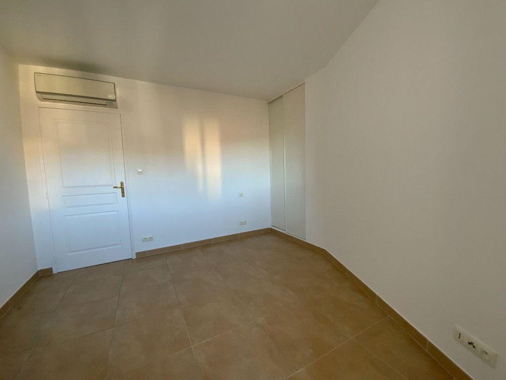 Appartement à vendre 3 71.6m2 à Draguignan vignette-12