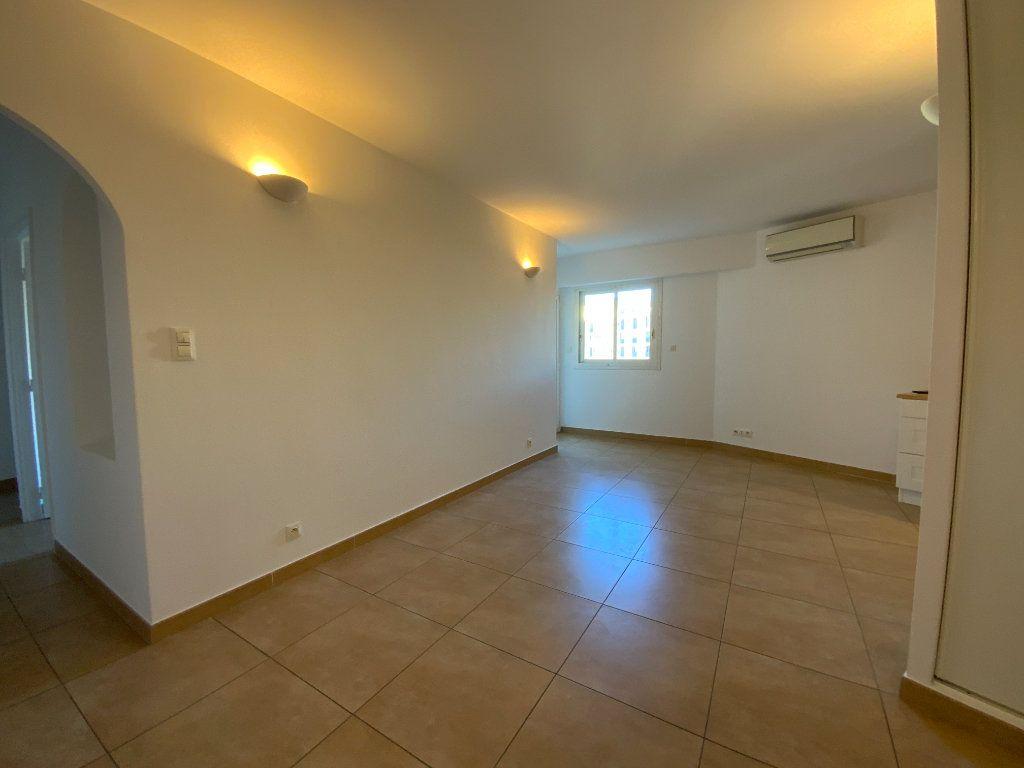 Appartement à vendre 3 71.6m2 à Draguignan vignette-15
