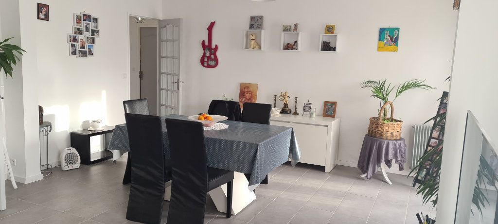 Appartement à vendre 5 85m2 à Draguignan vignette-3