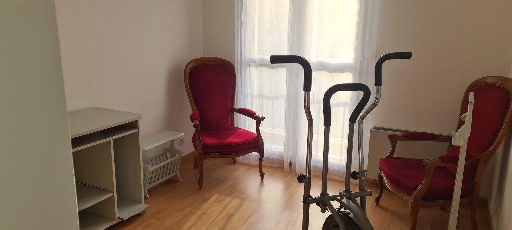 Appartement à vendre 5 85m2 à Draguignan vignette-4