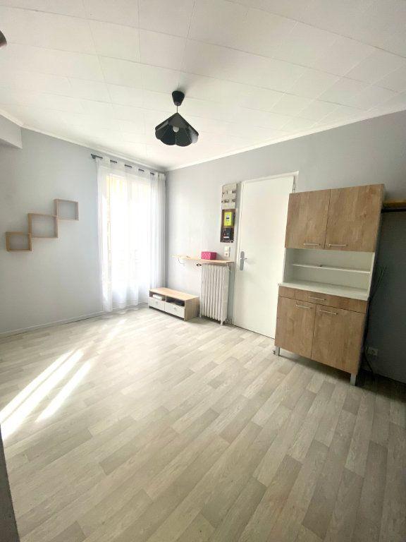 Appartement à vendre 2 29.93m2 à Vitry-sur-Seine vignette-1