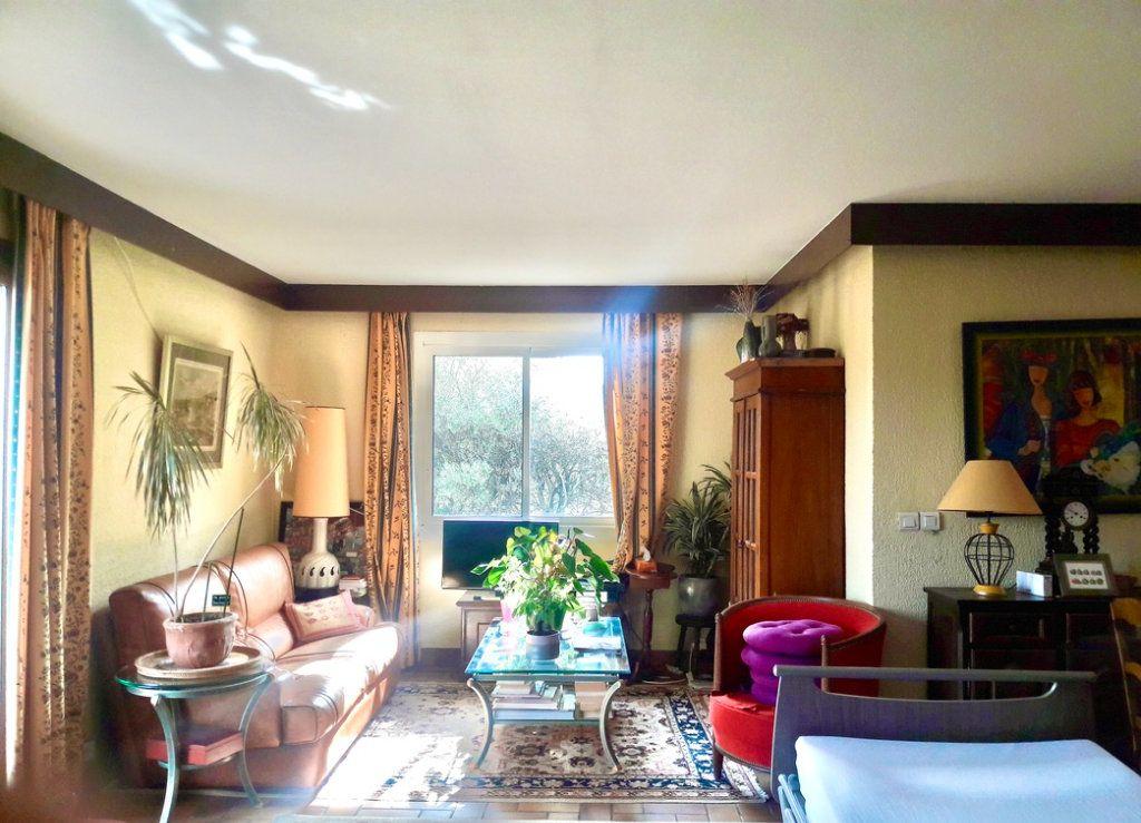 Maison à vendre 6 200m2 à Le Beausset vignette-9