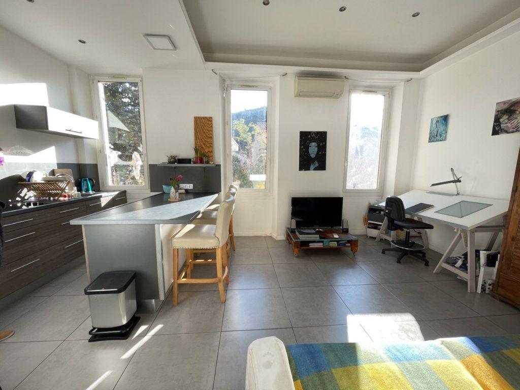 Appartement à vendre 2 37m2 à Marseille 11 vignette-1