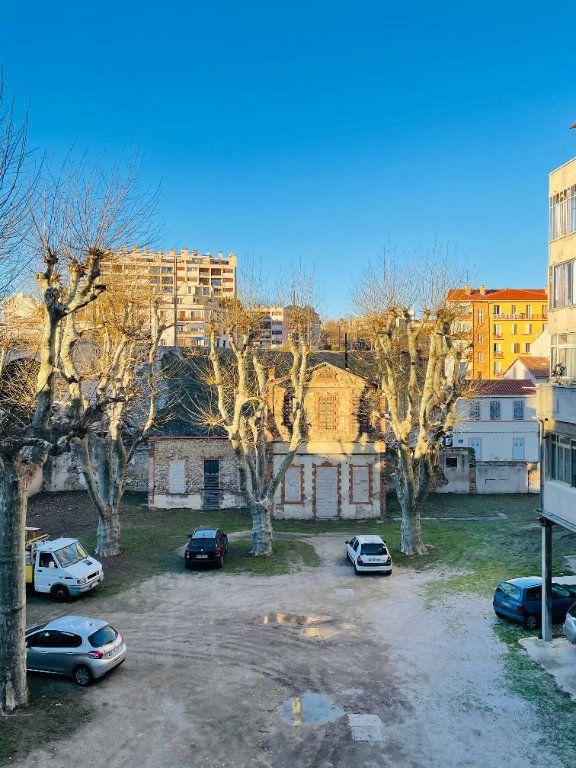 Appartement à vendre 3 52.08m2 à Marseille 5 vignette-1