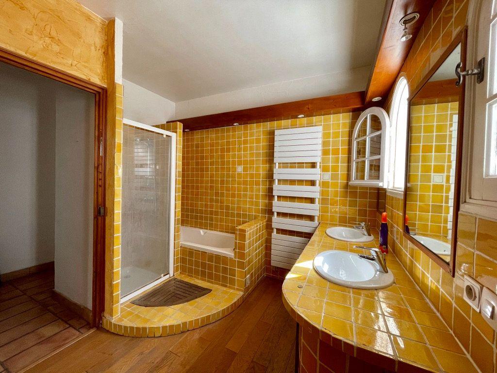 Maison à vendre 6 195m2 à Aubagne vignette-14