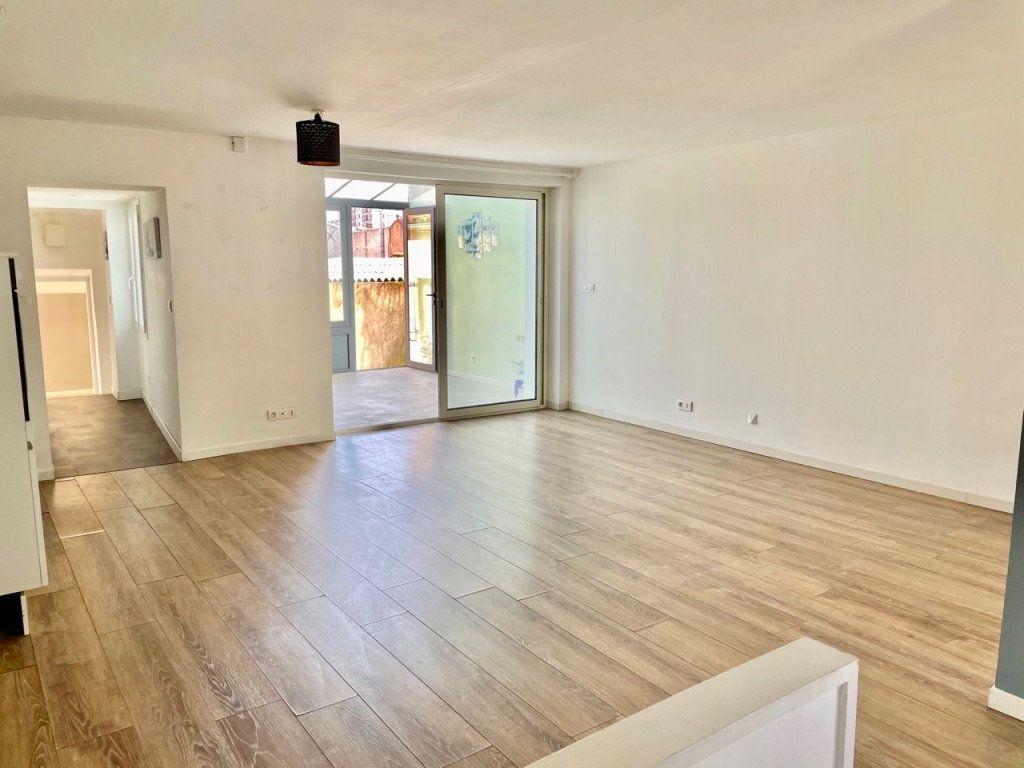 Maison à vendre 4 125m2 à Aubagne vignette-5