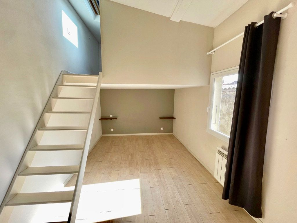 Maison à vendre 4 125m2 à Aubagne vignette-7