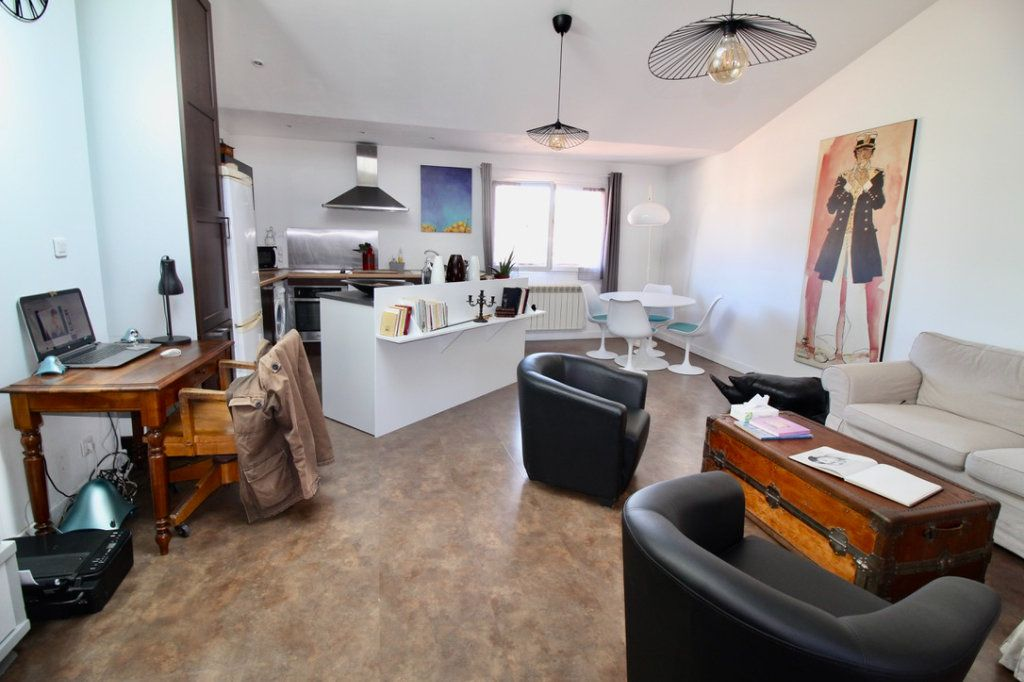 Appartement à vendre 3 65m2 à Aubagne vignette-1