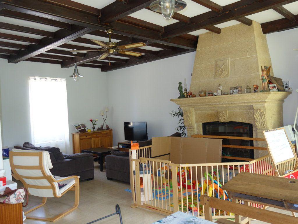 Maison à louer 4 120m2 à Saint-Saturnin-lès-Avignon vignette-4