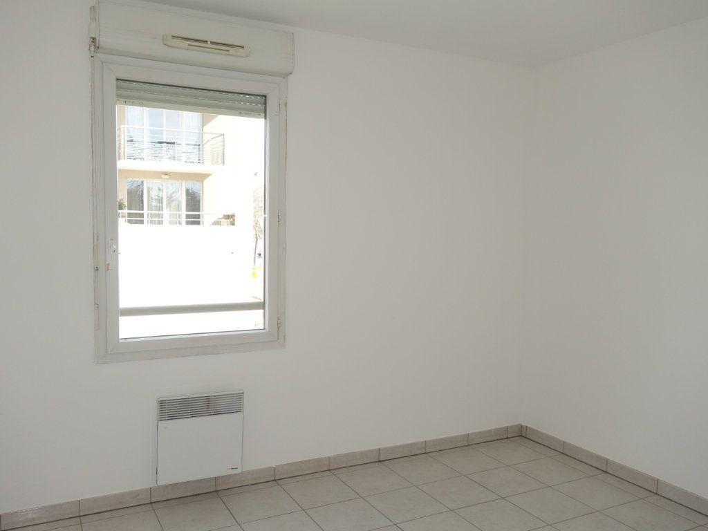 Appartement à louer 3 63m2 à Avignon vignette-4