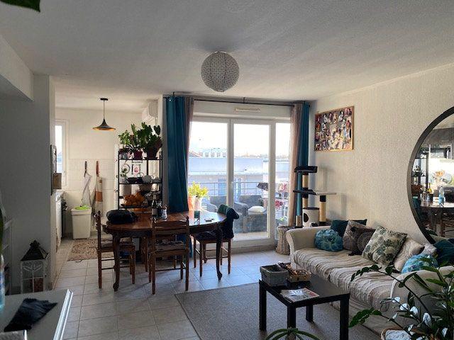 Appartement à louer 3 64m2 à Avignon vignette-2
