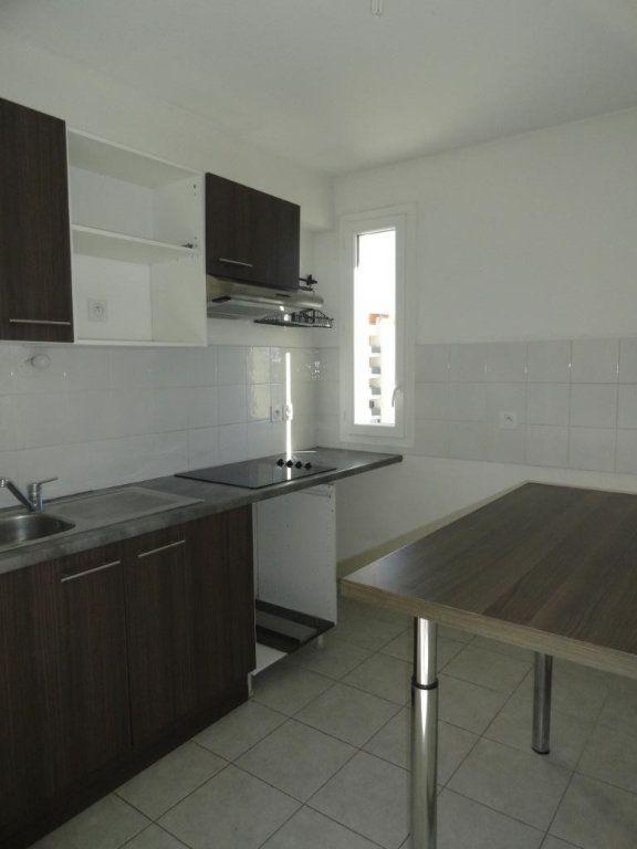 Appartement à louer 3 64m2 à Avignon vignette-4