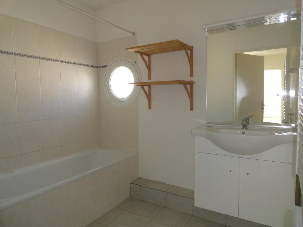 Appartement à louer 3 64m2 à Avignon vignette-5