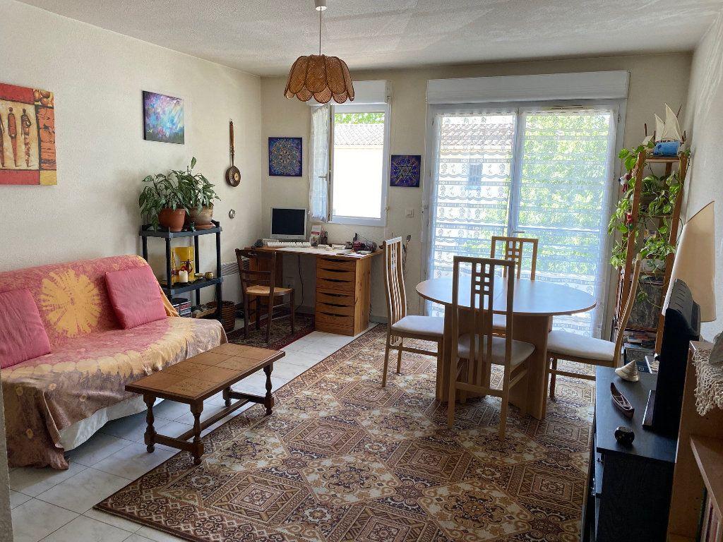 Appartement à louer 2 43.88m2 à Avignon vignette-2