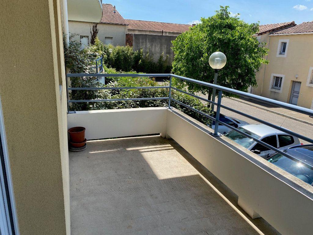 Appartement à louer 2 43.88m2 à Avignon vignette-4